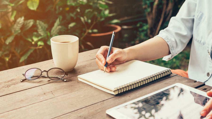Terapia para el estrés: escribir evita el estrés y la depresión